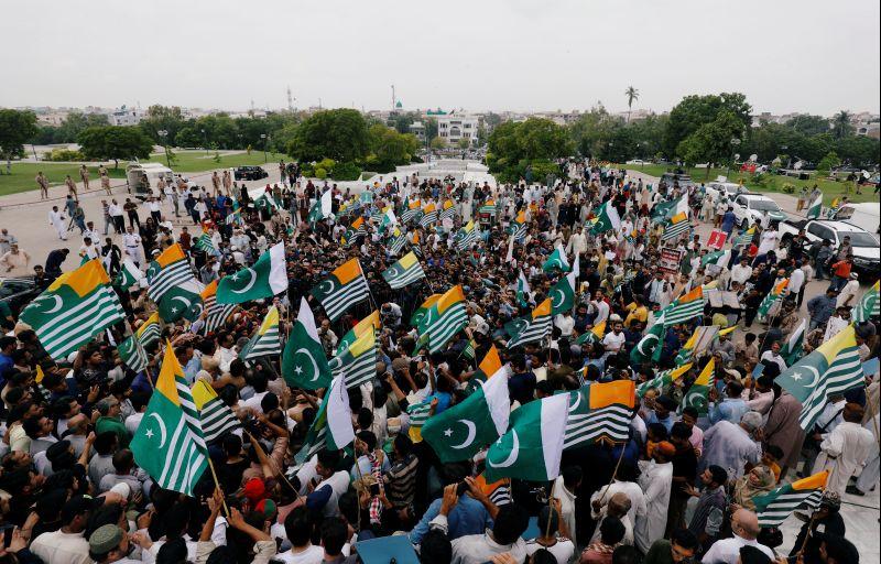 Pak observes Kashmir Hour to express 'solidarity'
