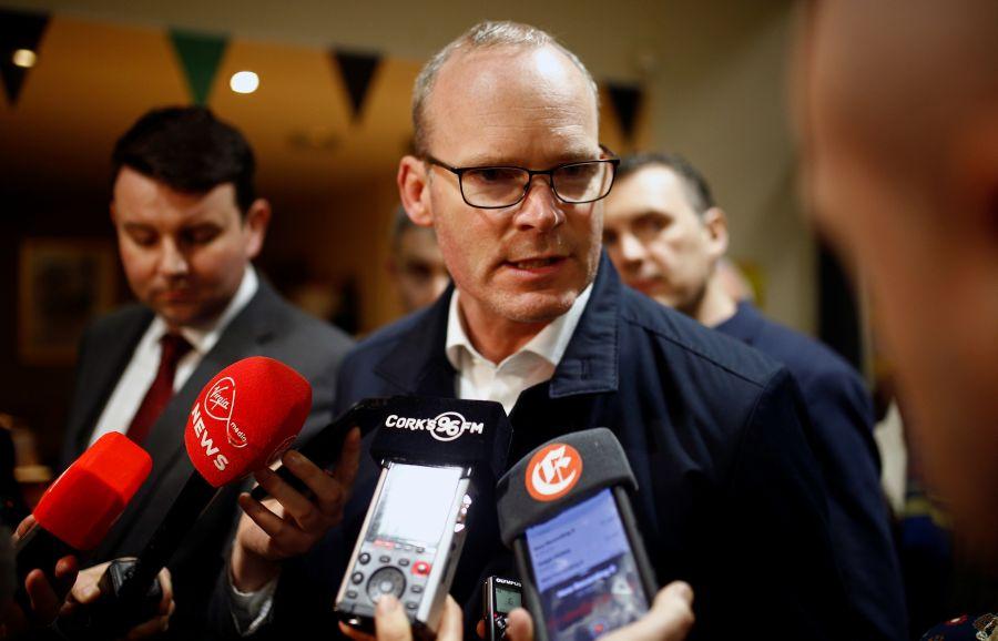 EU foresees 'very hard' talks with UK on future ties, warns on Irish border