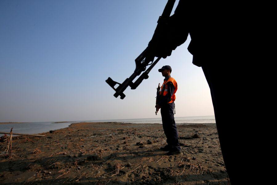 Bangladesh rethinks plan to move Rohingya refugees to island - minister