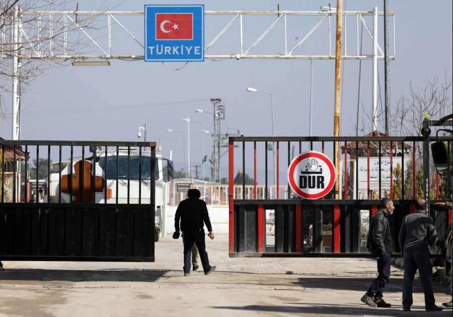 Turkey opens frontier for Syrian refugees to enter Europe after strike kills troops