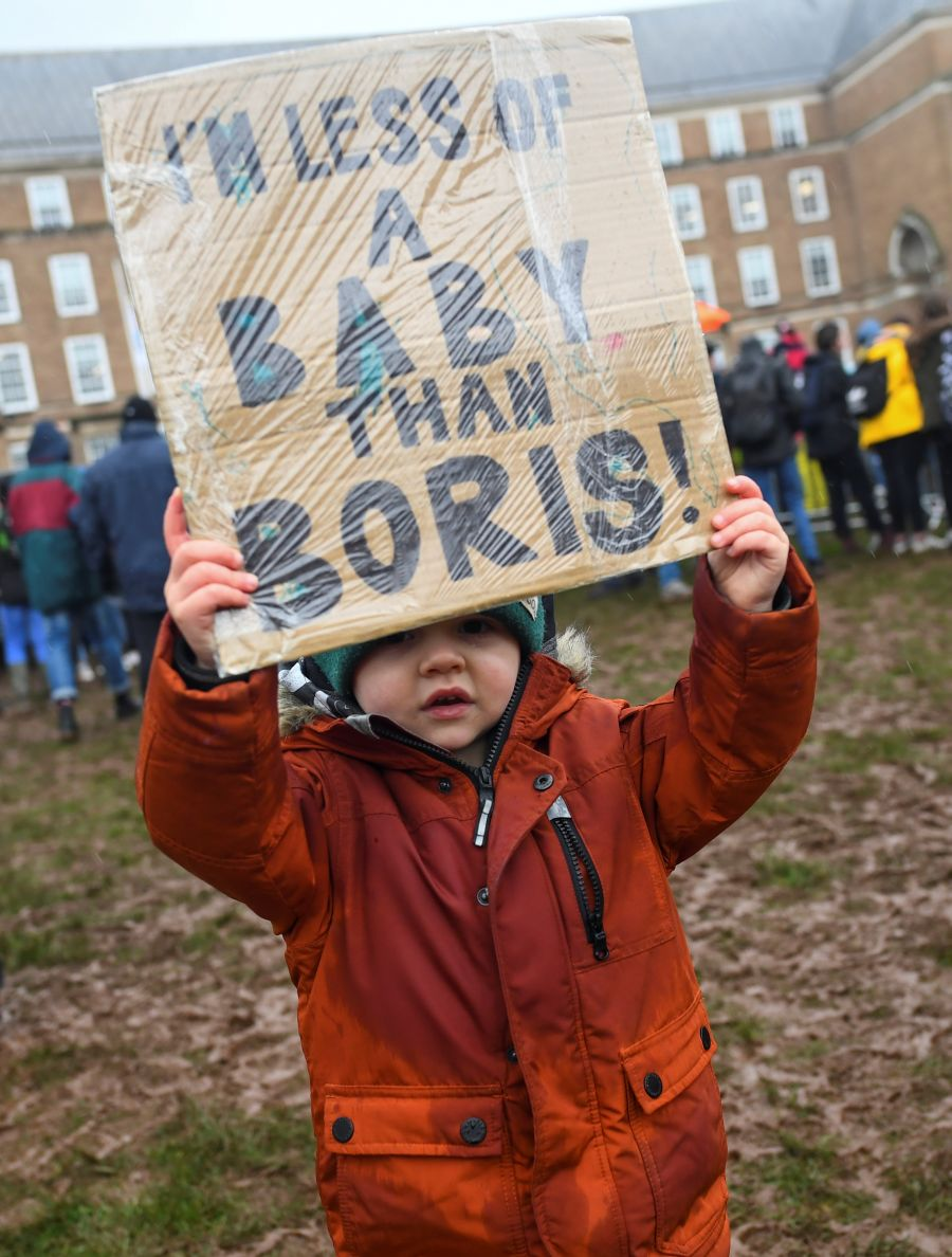 Thousands brave the rain for Greta Thunberg at British climate rally