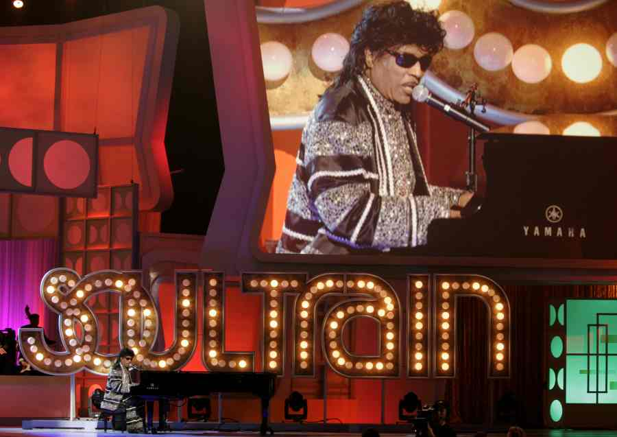 Rock 'n' roll pioneer Little Richard dies at age 87