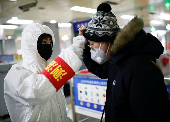 Top Chinese expert warns of potential second coronavirus wave