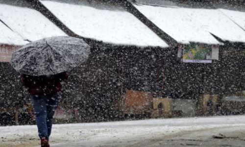 Woes mount as Kashmir gets season's 1st snowfall