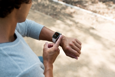 Apple dominates smartwatch market with 48% share in Q3