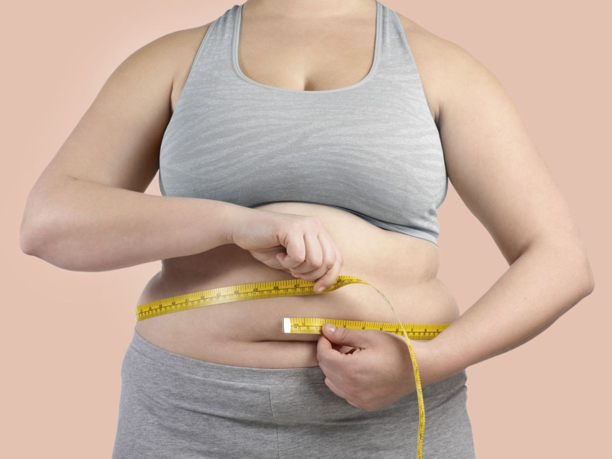 Fat accumulates inside lungs of obese people: Study