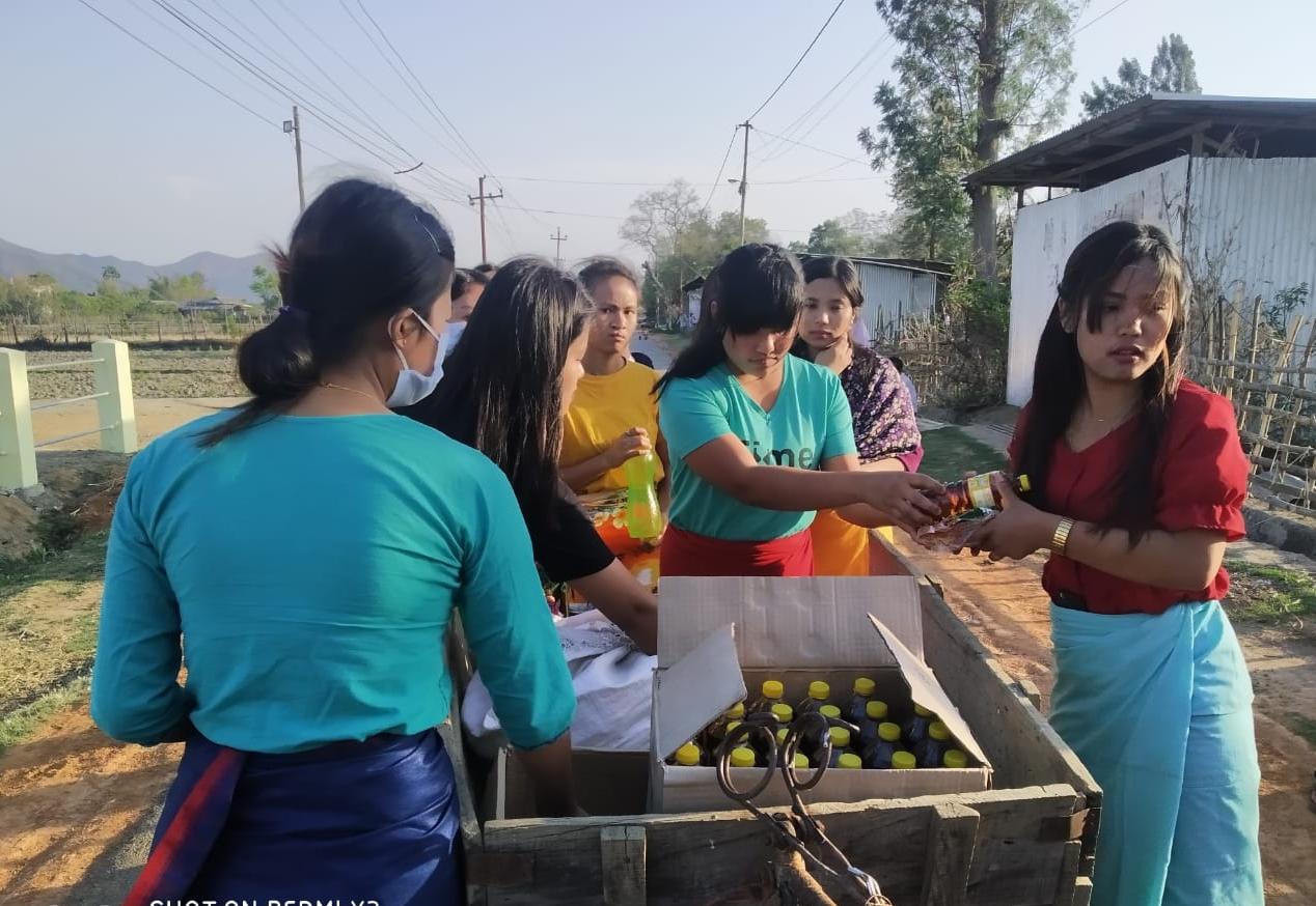 Manipur: Girls help needy people in Imphal localities