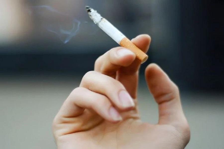 Health warnings on each cigarette may help reduce smoking