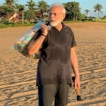 Cong takes swipe at Modi plogging on beach