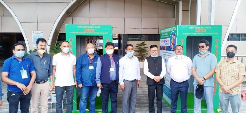 Dimapur incharge for COVID-19 activities, Y Kikheto Sema, IAS seen with CNCCI and DCCI office bearers and medical officers at Dimapur Railway Station on May 22. (Morung Photo)