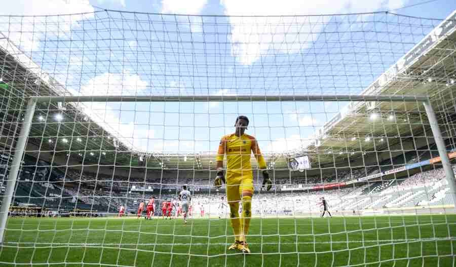 Borussia Moenchengladbac's Yann Sommer looks dejected after Bayer Leverkusen's Kai Havertz scored their second goal, as play resumes behind closed doors following the outbreak of COVID-19. (REUTERS)