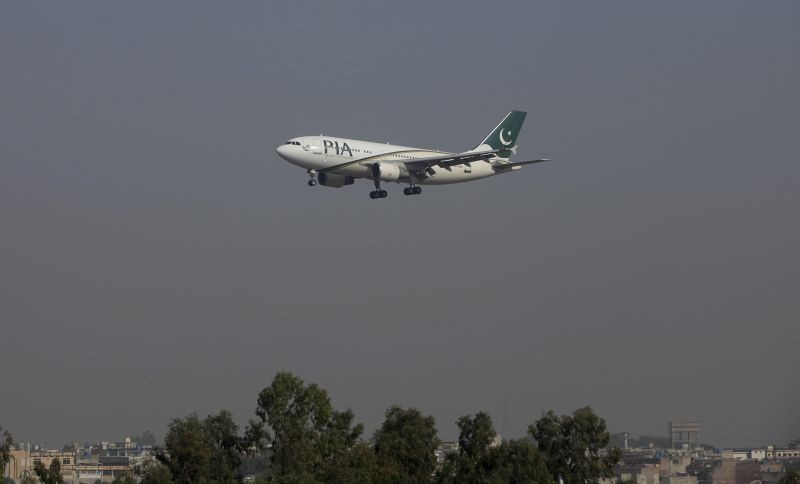 A Pakistan International Airlines (PIA) passenger plane arrives at the Benazir International airport in Islamabad, Pakistan on December 2, 2015. (REUTERS File Photo)