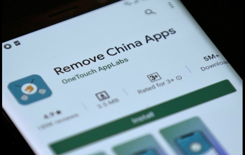 Remove China Apps is seen in the Google Play store on a mobile phone in this illustration taken June 2, 2020. REUTERS/Danish Siddiqui/Illustration