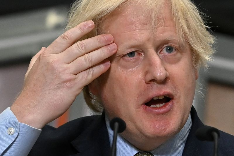 Britain's Prime Minister Boris Johnson delivers a speech during his visit to Dudley College of Technology in Dudley, Britain on June 30, 2020. (REUTERS Photo)