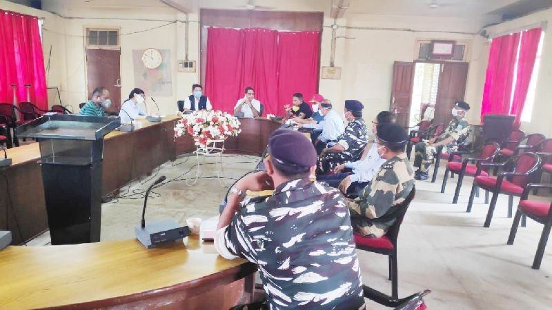 Deputy Commissioner Anoop Khinchi addressing the meeting at DC Conference hall on July 12. (DIPR Photo)
