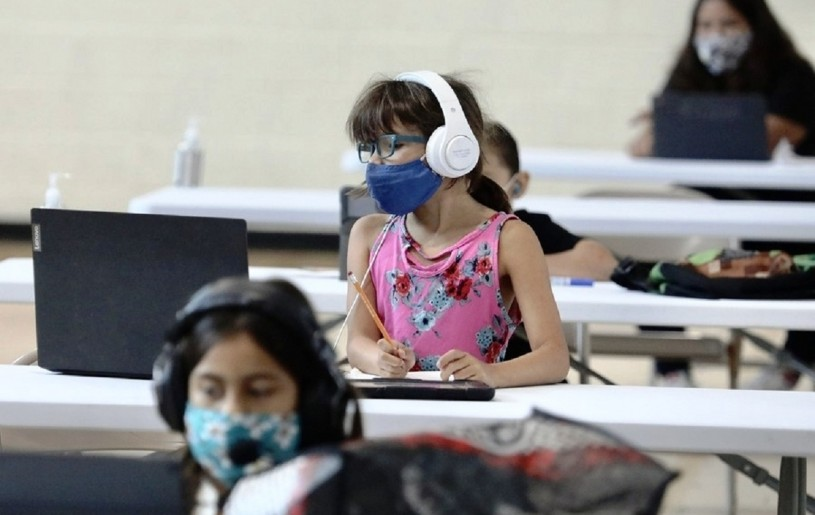 Students study online at a recreation center in Los Angeles, the United States, on Sept. 3, 2020. (Xinhua/IANS)