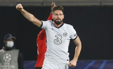 Soccer Football - Champions League - Group E - Stade Rennes v Chelsea - Roazhon Park, Rennes, France - November 24, 2020 Chelsea's Olivier Giroud celebrates scoring their second goal REUTERS/Stephane Mahe