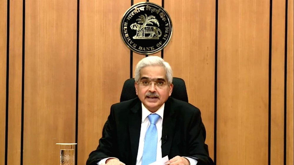Mumbai: Reserve Bank of India Governor Shaktikanta Das addresses a pess conference at the RBI Headquarters in Mumbai on Apr 17, 2020. . Image Source: IANS News