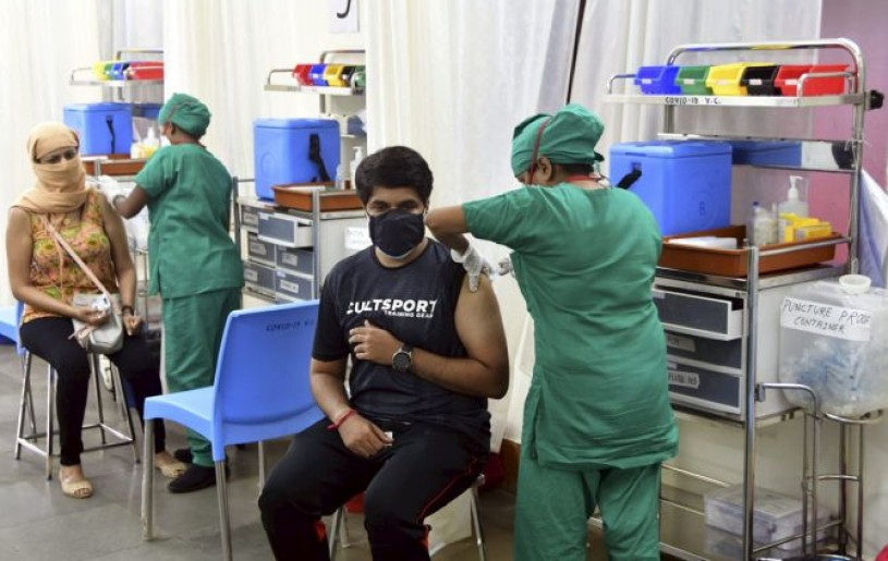 The COVID-19 vaccine is administered at the B Y L Nair Hospital in Mumbai. Photograph: PTI Photo