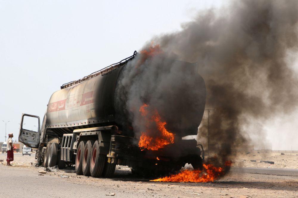 More than 100 believed killed in Yemen air strike