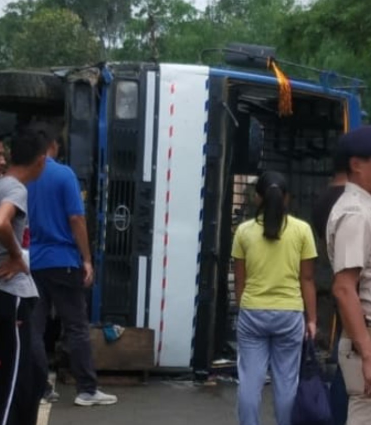 20 students injured in bus accident