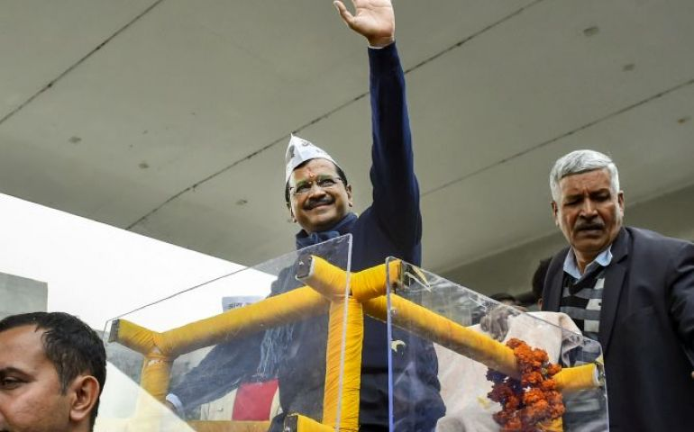 Kejriwal leads by 2K votes from New Delhi constituency