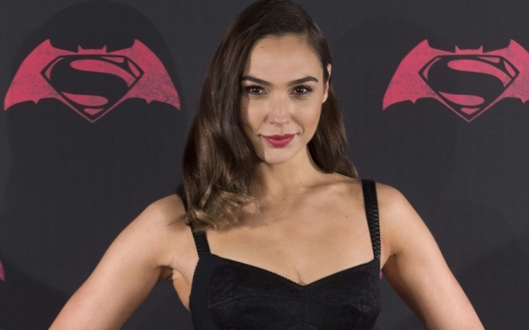 Gal Gadot to star in a Holocaust drama