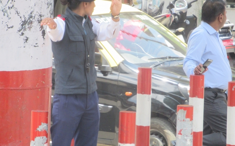 A day in the life of a woman traffic police