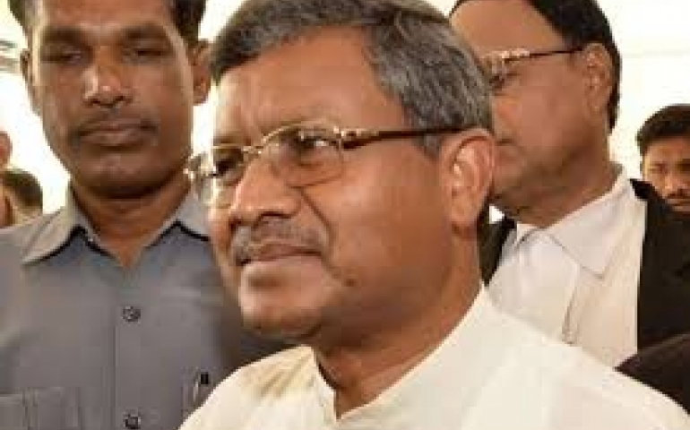 Tribal sentiments against non-tribal CM cost BJP Jharkhand