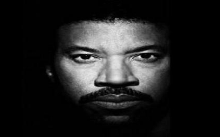 Lionel Richie wants to bring back 'We are the world' for COVID-19 victims